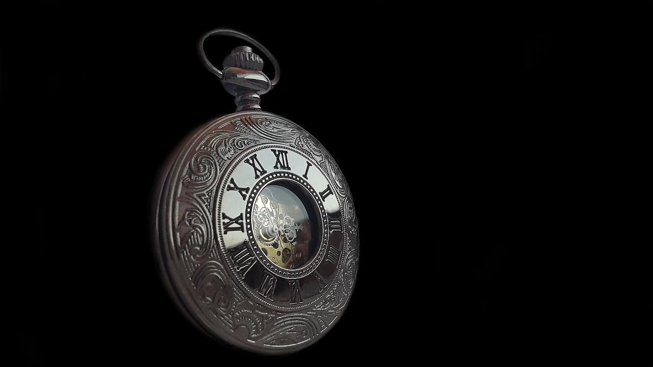 Pocket Watch Clock Time Old - FelixMittermeier / Pixabay